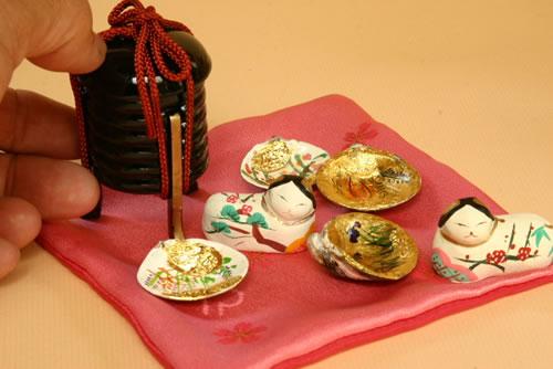北海道の姉妹の方からの注文で発送した雛道具です。