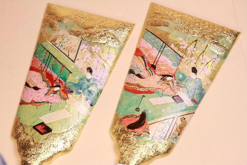 みかわ工房で制作している手描き彩色の羽子板です。