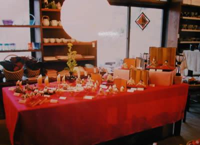 湯布院玉の湯旅館で、みかわ工房のお雛様展示風景