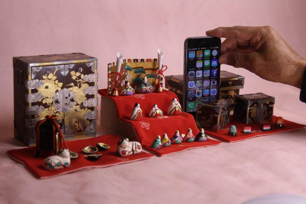 大正時代の雛道具とみかわ工房の小さいお雛様を組み合わせた、【小さき物の世界】8番
