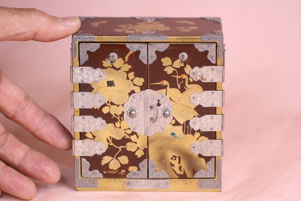 大正時代の蒔絵箪笥