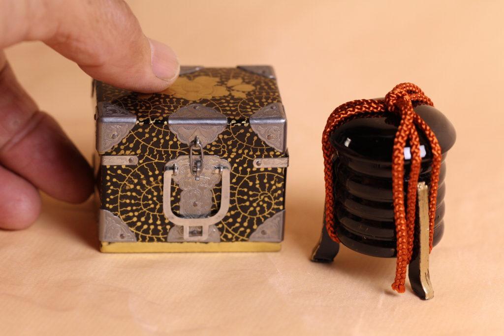 昭和の小箱です。