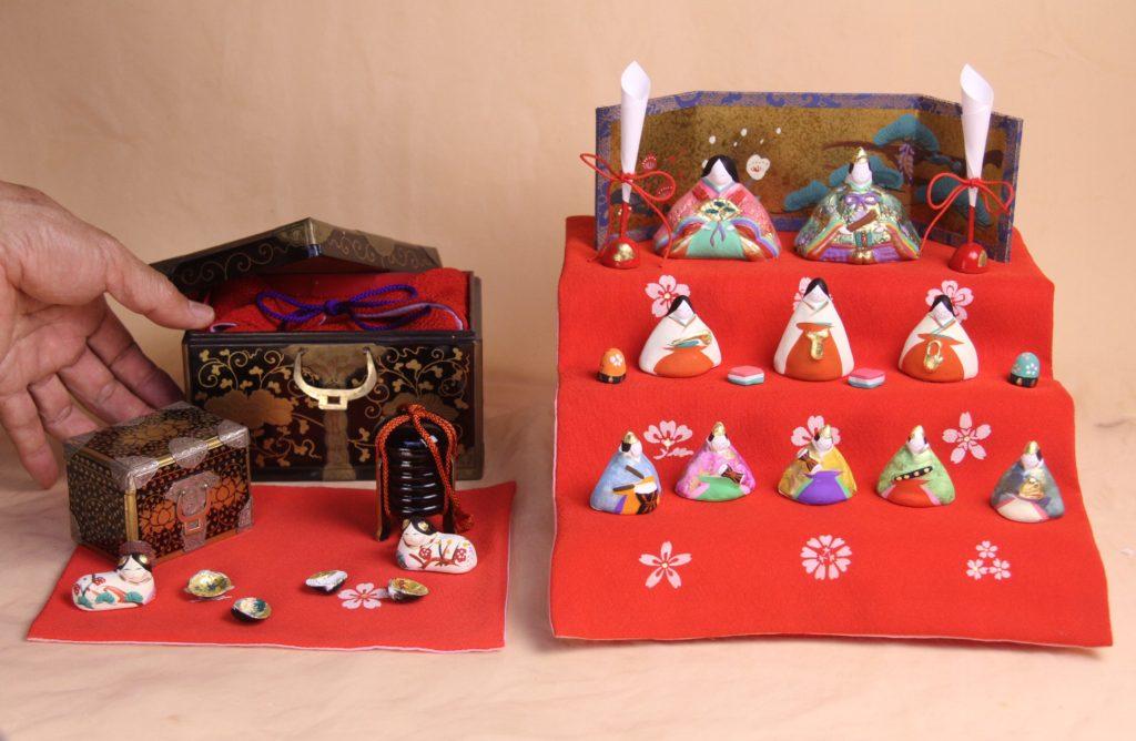 江戸小箱と三段飾りのお雛様