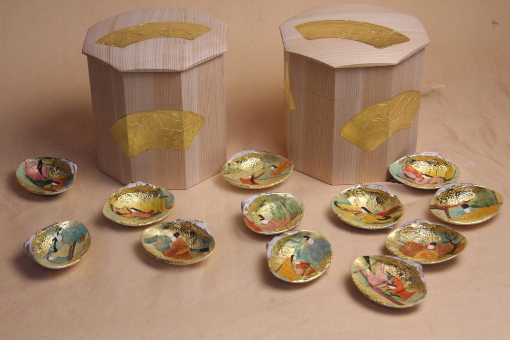 2つの貝桶と6組の貝合わせ